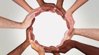 hands-circle